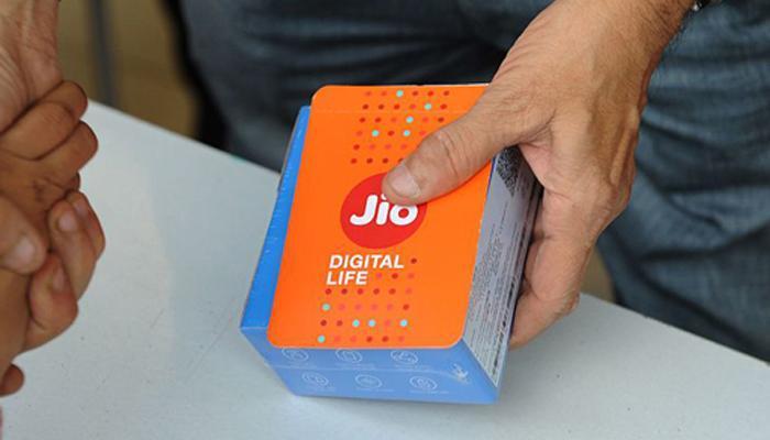 खुशखबर! जिओचा येणार स्वस्त ४ जी अँड्राईड स्मार्टफोन