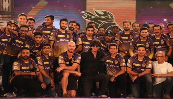 शाहरूख खानने 'या'  क्रिकेटरच्या मुलीला दिलीय KKR मध्ये बॉलिंगची ऑफर