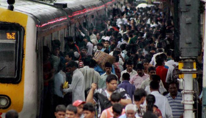 रेल्वेत प्रवाशांना लुटणारी महिला अटकेत