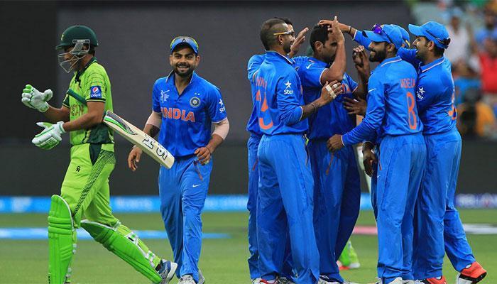 भारताने पाकिस्तान सोबत खेळावं- सेहवाग