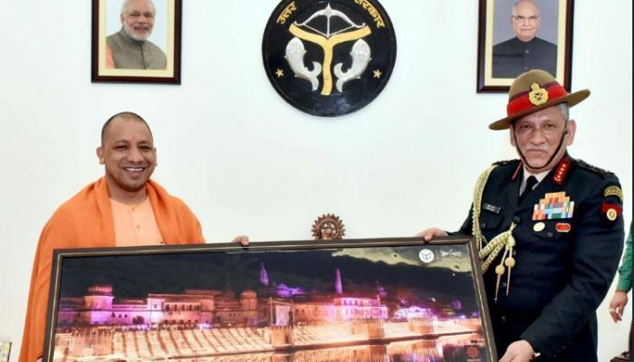 लष्कर प्रमुखांनी घेतली मुख्यमंत्री योगींची भेट