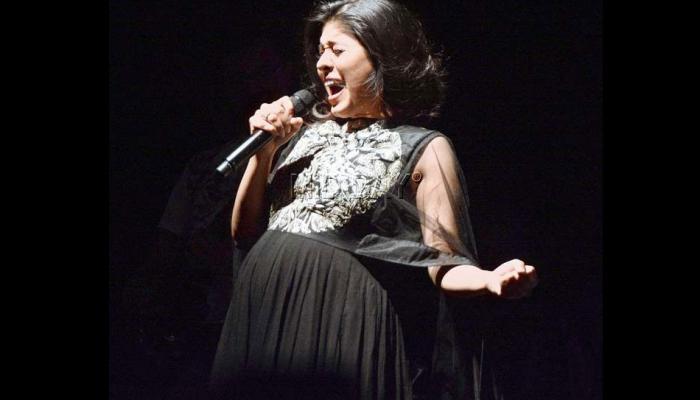 गायिका सुनिधी चौहानला नवीन वर्षात मिळालं स्पेशल गिफ्ट