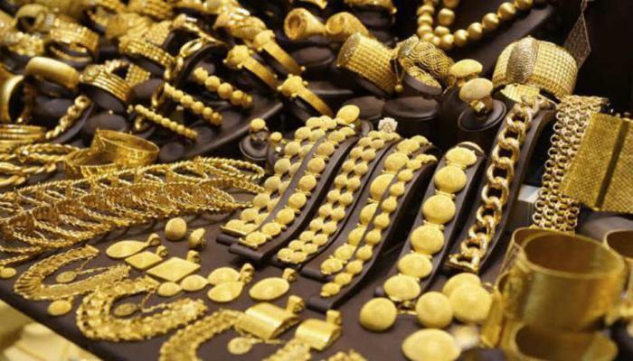 लग्नसराईत सोन्याच्या दरात वाढ, तर चांदी झाली स्वस्त