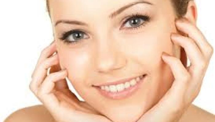 नवीन वर्षात हेल्दी त्वचेसाठी मिळवण्यासाठी तुमच्या 'या' सवयी बदला!