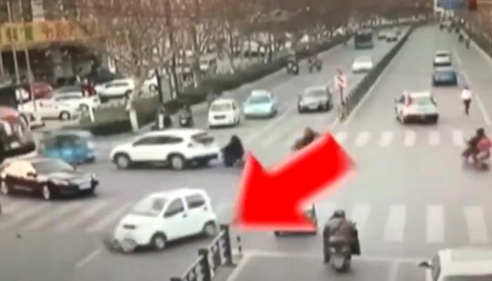 Shocking Video: थरकाप उडवणारा अपघात सीसीटीव्हीत कैद