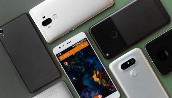 या '6' स्मार्टफोन्समध्ये आहे  दमदार बॅटरी