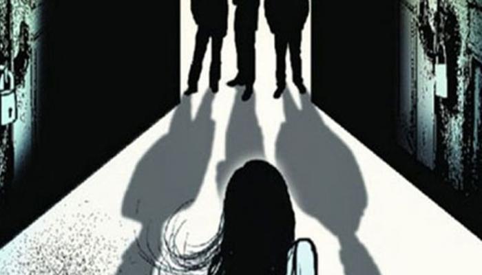 धावत्या कारमध्ये अल्पवयीन मुलीवर सामूहिक बलात्कार