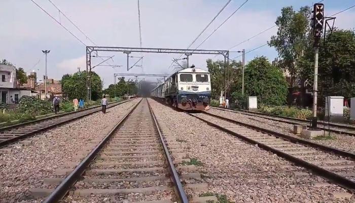Union Budget 2018 : मुंबई रेल्वेचा विस्तार करणार - जेटली