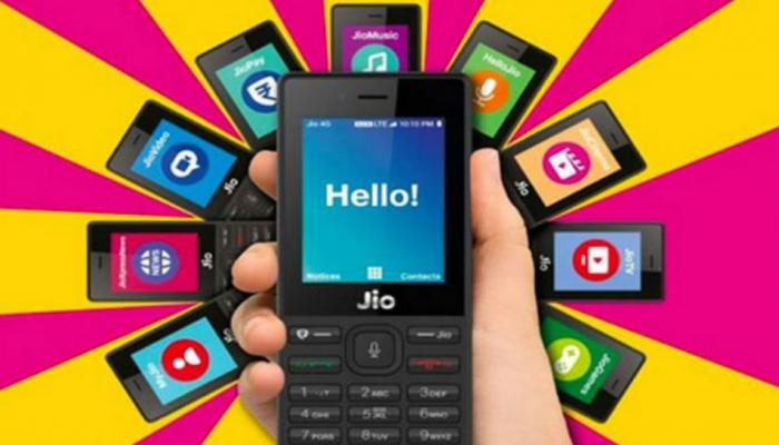जिओच्या ४ जी मोबाईलची विक्री सुरु, असे करा बुकिंग