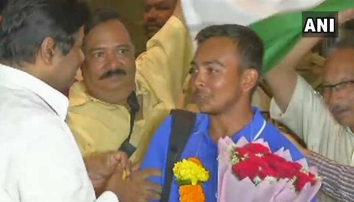 अंडर १९ विश्वविजेत्या टीम इंडियाचं जल्लोषात स्वागत