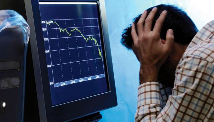 शेअर बाजार कोसळला... एका मिनिटात २ लाख करोडचं नुकसान