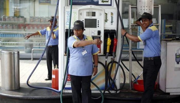 खुशखबर : एवढ्या रुपयांनी स्वस्त होऊ शकतं पेट्रोल-डिझेल