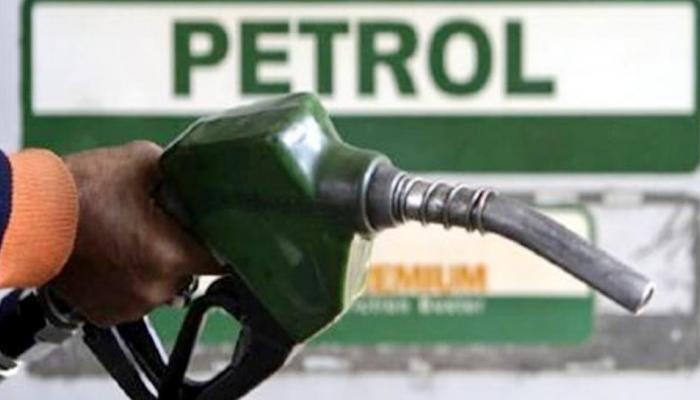 स्वस्त झालं पेट्रोल-डिझेल, १० दिवसांत ७ वेळा झाली घट