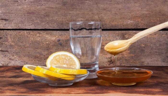 लिंबू पाणी पिण्याचे ५ फायदे
