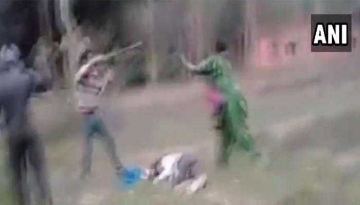 VIDEO: नवऱ्याला मारहाण करणाऱ्यांची पत्नीने केली धुलाई