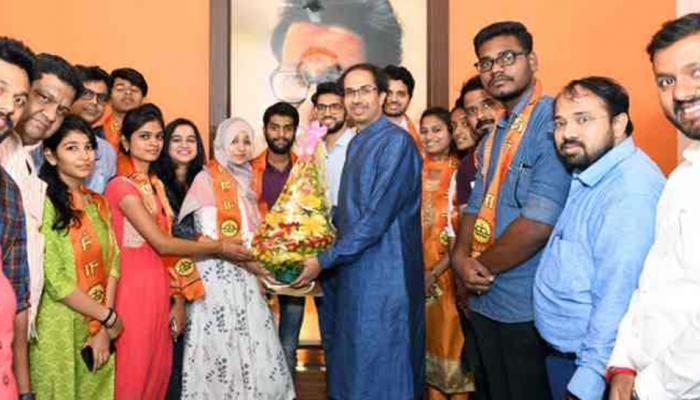 मुंबई विद्यापीठावर युवासेनेचा भगवा फडकला