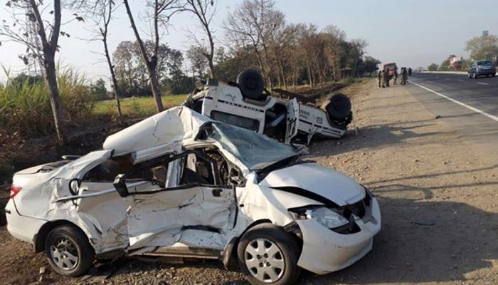 सोलापूर-तुळजापूर रस्त्यावर अपघात, ५ ठार तर ७ जखमी