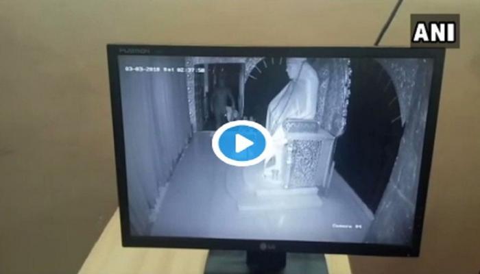 VIDEO: साई मंदिरात चोरी, मौल्यवान वस्तू पळवल्या