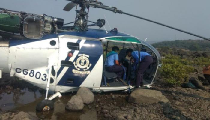 तटरक्षक दलाचे हेलिकॉप्टर मुरुड किनारी कोसळले