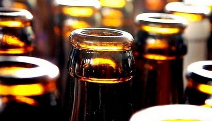 .. म्हणून बीयर हिरव्या किंवा चॉकलेटी रंगाच्या बाटलीमध्येच ठेवली जाते