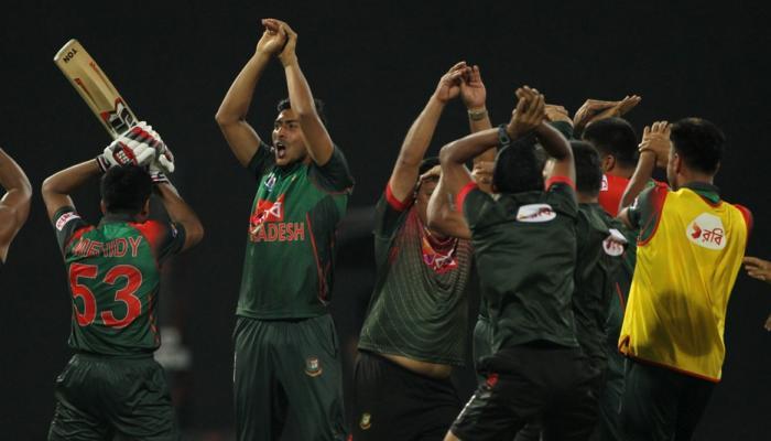 श्रीलंकेविरुद्धच्या विजयानंतर बांगलादेशच्या संघाचा नागिण डान्स