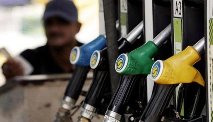 खुशखबर : पेट्रोल-डिझेल झाले स्वस्त, जाणून घ्या किती कमी झाले दर