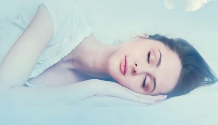 3 मिनिटांंच्या या श्वसनव्यायामांंनी झटपट मिळवा झोप