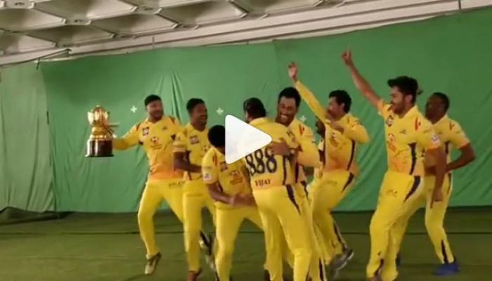 IPL पूर्वी धोनीसोबत 'अशा' अंदाजात थिरकताना दिसले CSK चे खेळाडू