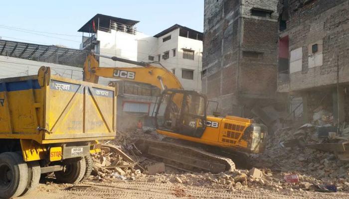 मध्य प्रदेशात इमारत कोसळून १० जणांचा मृत्यू