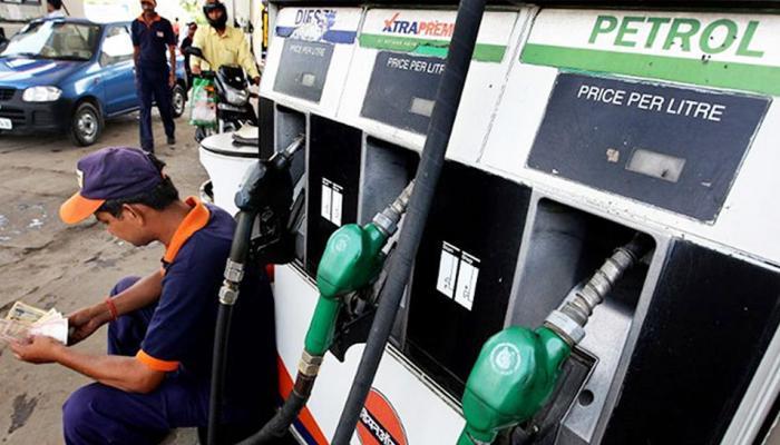 सर्वसामान्यांना झटका: पेट्रोलच्या दराने ४.५ वर्षांत गाठला उच्चांक आणि डिझेलने गाठली सत्तरी
