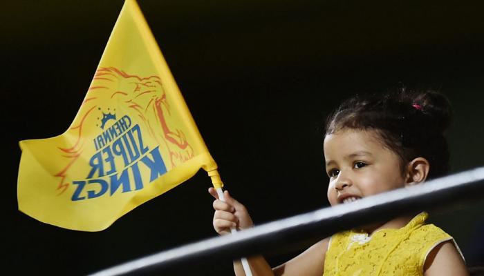 चेन्नईच्या विजयानंतर धोनीच्या मुलीने शाहरुखसोबत केले सेलिब्रेशन