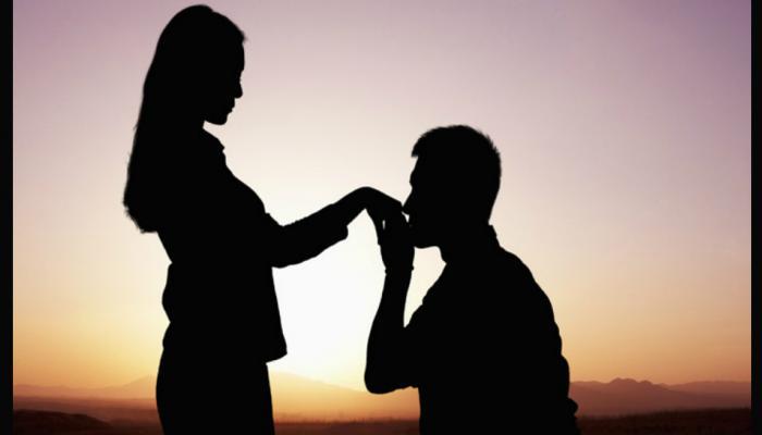 या ७ गोष्टींवरून ओळखा तुमच्या पार्टनरचे तुमच्यावर खरे प्रेम आहे!