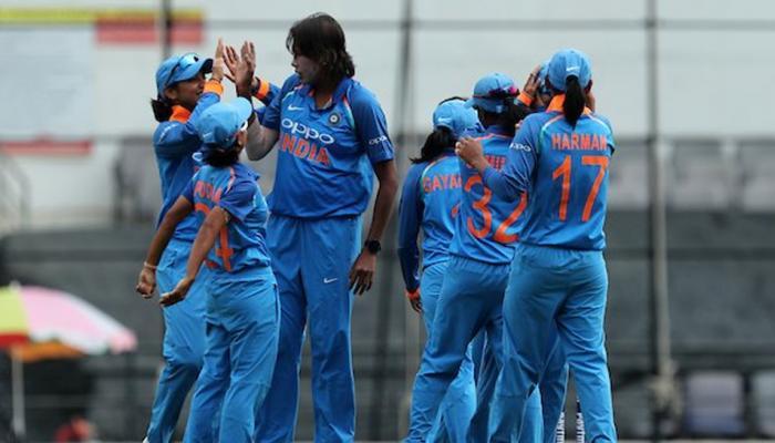 इंग्लंडला हरवून भारतीय महिला टीम झाली चॅम्पियन