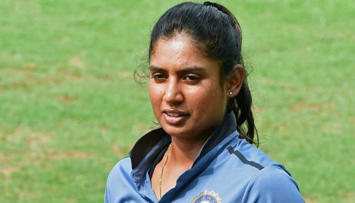 महिला क्रिकेटपटूंसोबत पुन्हा भेदभाव, बीसीसीआयवर भडकले फॅन्स