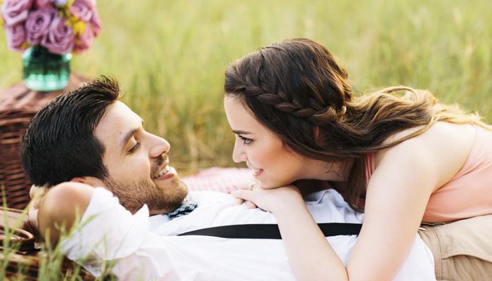 'या' वयातील महिला अधिक रोमॅन्टिक !