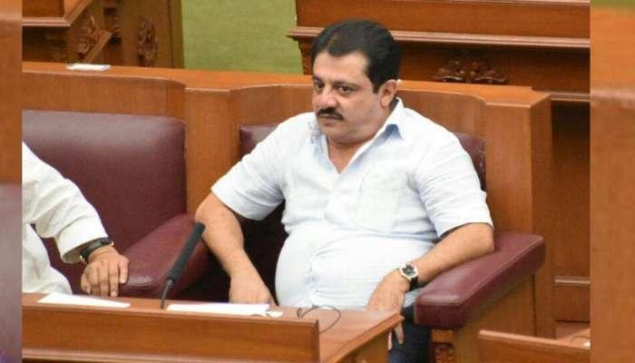 कर्नाटक : कुमारस्वामींच्या मंत्र्याला आवडत नाही इनोव्हा, फॉर्च्युनरची मागणी