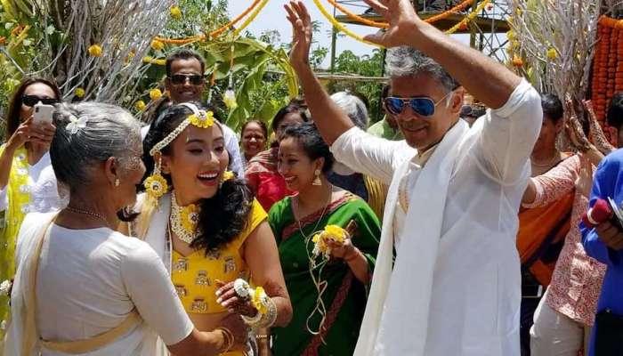 मिलिंद सोमण आणि अंकिता कुंवर टीव्हीच्या वादग्रस्त शोमध्ये