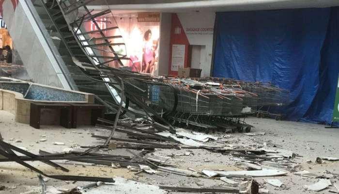 वाशीतील रघुलीला मॉलचे छत कोसळले