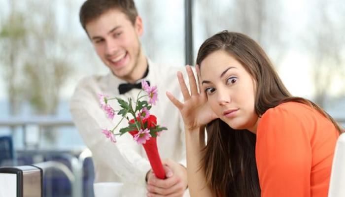 ... म्हणून  मुली डेटवर यायला सह्ज  तयार होत नाहीत