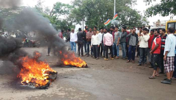 महाराष्ट्र बंद LIVE : नागपूरमध्ये युवा आंदोलकांनी रेल्वेखाली स्वत:ला झोकून दिलं...