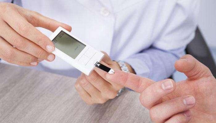 रक्तातील साखर नियंत्रणात ठेवण्यासाठी '3' रामबाण नैसर्गिक उपाय