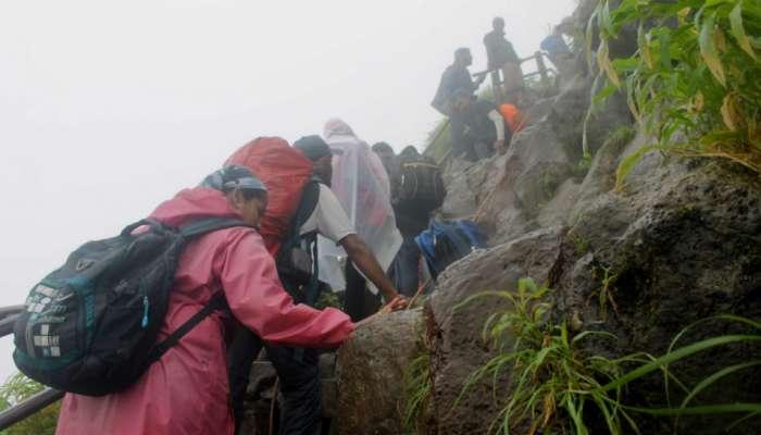 ब्लॉग : दृष्टीबाधित (?) विद्यार्थ्यांसोबत तोरणा चढाईचा संस्मरणीय अनुभव