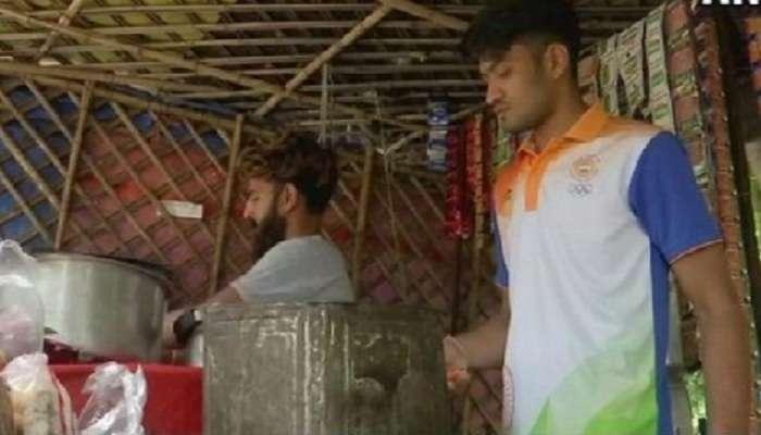 एशियन गेम्समध्ये देशाला मेडल जिंकून देणारा खेळाडू विकतोय चहा