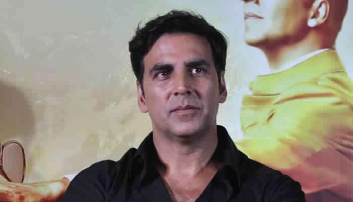 'खिलाडी कुमार' ने घेतली 'या' मराठमोळ्या दिग्दर्शकांची भेट