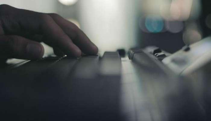 तरुणीची 'ऑनलाईन' छेडछाड भलतीच महागात पडली