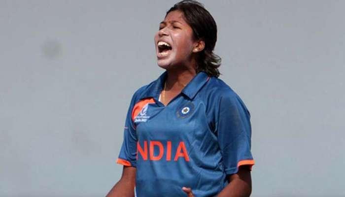 तेजतर्रार झूलनचा महिला क्रिकेटमध्ये नवा रेकॉर्ड