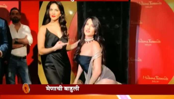 Sunny Leone Poses With Her Wax Statue At Delhis Madame Tussauds