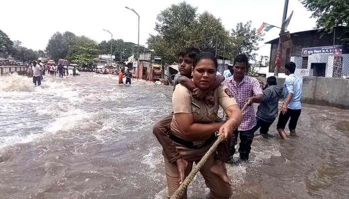 पुण्यात महिला पोलिसाने १५ लहान मुलांना असं वाचवलं....!