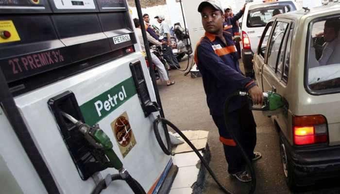 मुंबईत पेट्रोलचे दर पुन्हा एकदा वाढले