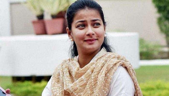 मोदी सरकार विरोधात प्रणिती शिंदे यांचं आंदोलन